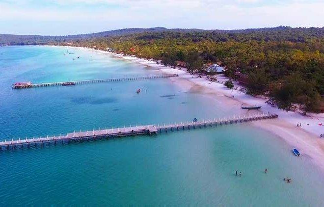 Saracen-Bay-on-Koh-Rong-Samloem-Island-in-Cambodia